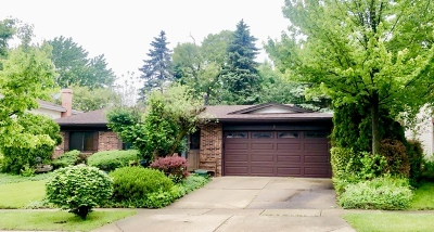 Woodridge Single Family Home For Sale: 1 Pheasant Court