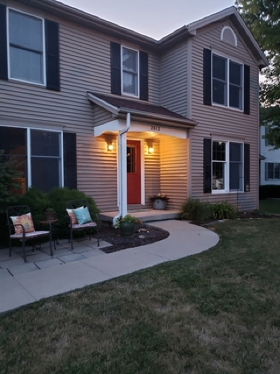 Bloomington Single Family Home For Sale: 2812 Longmeadow Lane