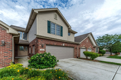 Frankfort Condo/Townhouse For Sale: 7517 East Plank Trail Court