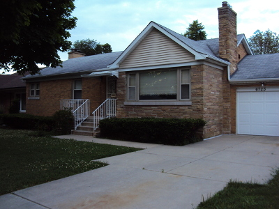 Lincolnwood Single Family Home For Sale: 6723 North Central Park Avenue