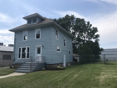 Aurora Single Family Home For Sale: 347 Woodlawn Avenue