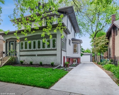 Chicago Single Family Home For Sale: 1726 West Jarvis Avenue