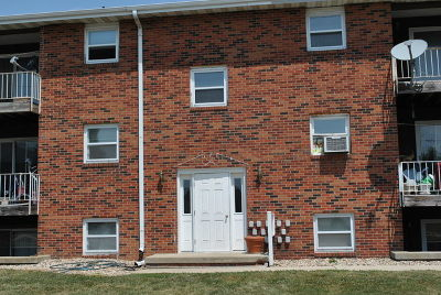 Condo/Townhouse For Sale: 1506 Northbrook Dr #304
