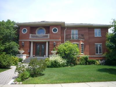 Lincolnwood Single Family Home For Sale: 7051 North Kilbourn Avenue