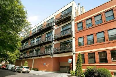 Condo/Townhouse For Sale: 2012 West St Paul Avenue #416
