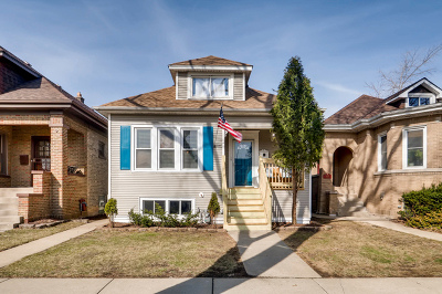 Single Family Home For Sale: 4918 North Kostner Avenue