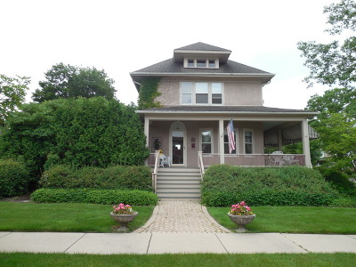 Elmhurst Single Family Home For Sale: 424 West Montrose Avenue