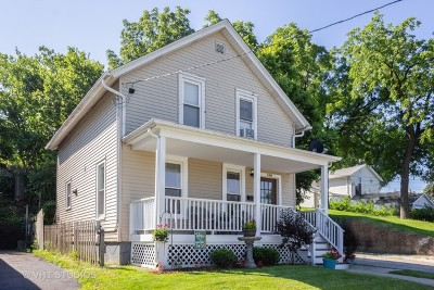 Aurora Single Family Home For Sale: 129 North Lincoln Avenue