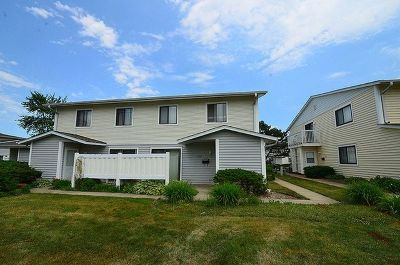 Schaumburg Condo/Townhouse For Sale: 228 North Waterford Drive #12C
