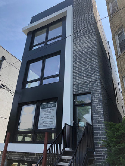 Chicago Condo/Townhouse For Sale: 2115 North Mozart Street #3