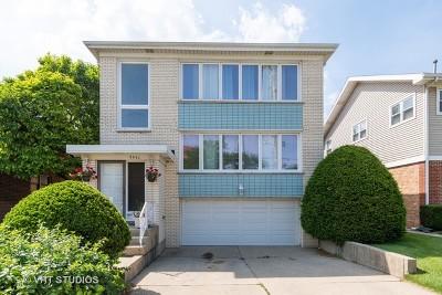 Skokie Multi Family Home For Sale: 8854 Gross Point Road