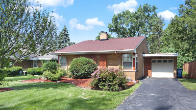 Elmhurst IL Single Family Home For Sale: $325,000