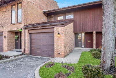 Glenview Condo/Townhouse For Sale: 1805 Wildberry Drive #B