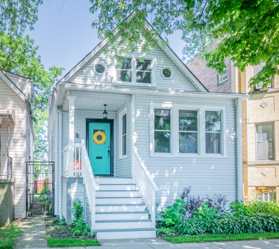 Single Family Home Contingent: 4023 North Sawyer Avenue