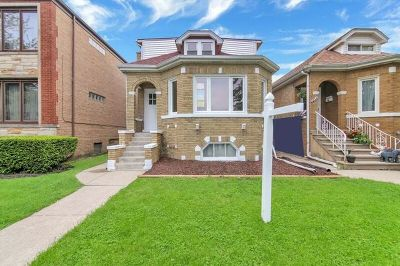 Elmwood Park Multi Family Home For Sale: 2632 North 72nd Court
