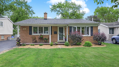 Lombard IL Single Family Home For Sale: $264,900