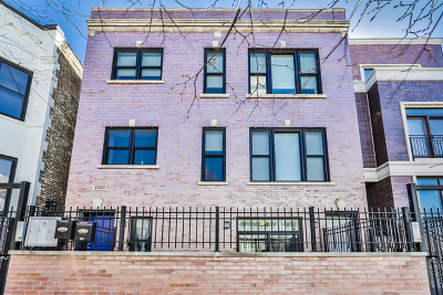 Condo/Townhouse For Sale: 1525 North Claremont Avenue #1A