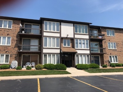 Crestwood Condo/Townhouse For Sale: 4924 Circle Court #405