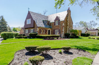 Lincolnwood Single Family Home For Sale: 6655 North Central Avenue
