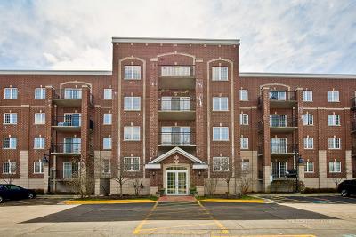 Libertyville Condo/Townhouse For Sale: 1479 North Milwaukee Avenue #312