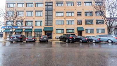 Condo/Townhouse For Sale: 4751 North Artesian Avenue #303