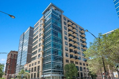 Condo/Townhouse New: 101 West Superior Street #1203
