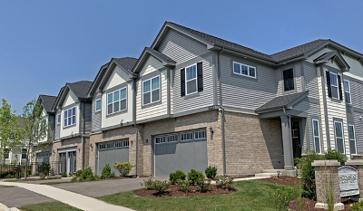 Arlington Heights Condo/Townhouse For Sale: 3254 North Heritage Lane #9-3