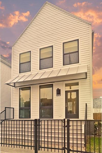 Single Family Home For Sale: 3706 North Milwaukee Avenue