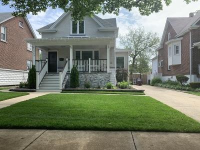 Single Family Home For Sale: 3923 North Kilbourn Avenue
