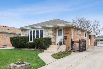 Niles Single Family Home Contingent: 7334 West Breen Street