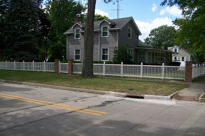 Dwight Single Family Home For Sale: 200 West Waupansie Street