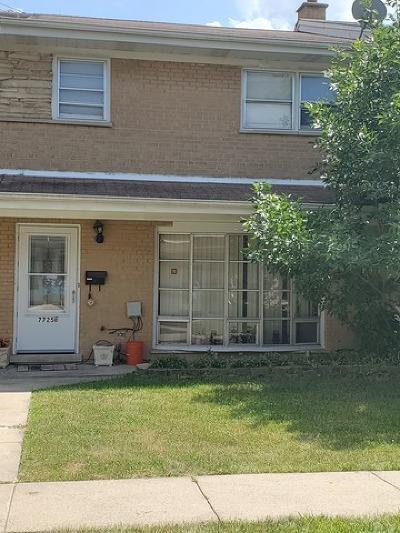 Niles Condo/Townhouse New: 7725 North Nordica Avenue #E