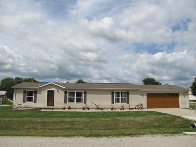 Leroy Single Family Home For Sale: 810 Jodi Avenue