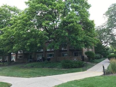 Hinsdale Condo/Townhouse For Sale: 360 Claymoor Street #3E