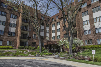 Glen Ellyn Condo/Townhouse New: 448 Raintree Court #5P