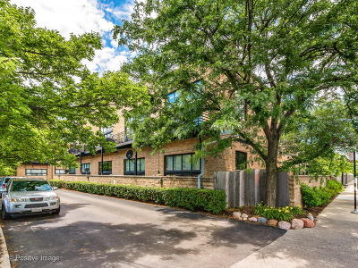 Condo/Townhouse New: 2620 North Clybourn Avenue #202
