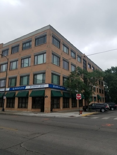 Condo/Townhouse New: 4751 North Artesian Avenue #203