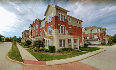 Arlington Heights Condo/Townhouse Re-Activated: 201 West Hyde Street