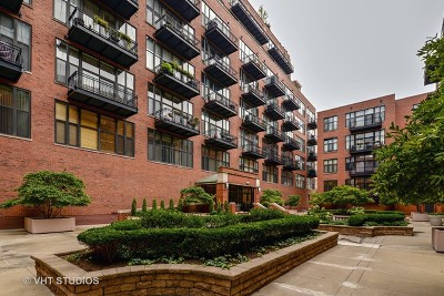 Condo/Townhouse New: 333 West Hubbard Street #618
