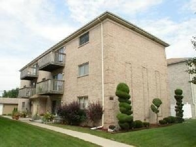 Elmwood Park Condo/Townhouse New: 2530 North 72nd Court #2W