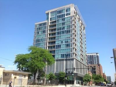 Condo/Townhouse For Sale: 700 West Van Buren Street #PH6
