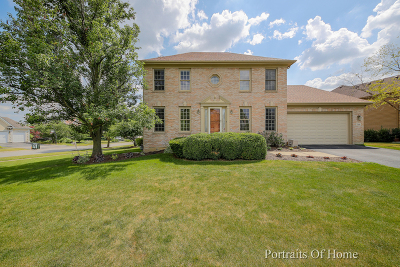 West Chicago Single Family Home For Sale: 764 Tanager Lane