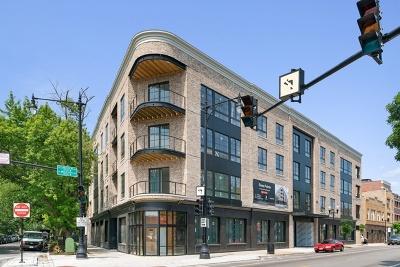 Condo/Townhouse For Sale: 3808 North Lincoln Avenue #404