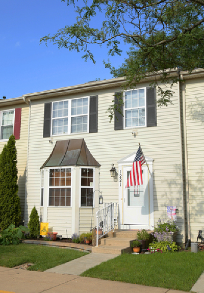 Geneva Condo/Townhouse Re-Activated: 1221 Koster Court