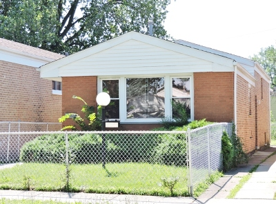 Chicago IL Single Family Home For Sale: $129,900