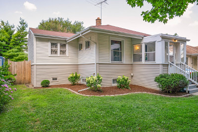 Brookfield Single Family Home For Sale: 3932 Forest Avenue