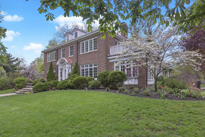 Oak Park Single Family Home For Sale: 605 North Oak Park Avenue
