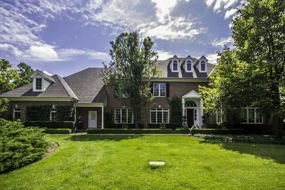 Crystal Lake Single Family Home For Sale: 7707 Oak Ridge Court