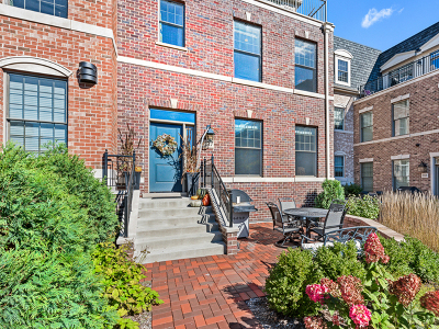 Wheaton Condo/Townhouse For Sale: 347 East Liberty Drive