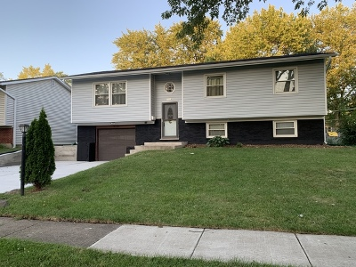 Hanover Park Single Family Home Contingent: 7059 Meadowbrook Lane